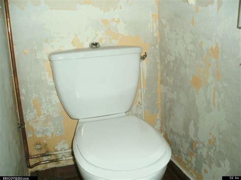 chambre humide que faire murs humide dégât des eaux pose toile de verre ou papier