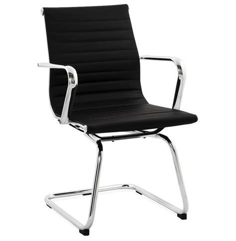 chaises de bureau design chaise de bureau design giga en similicuir noir fauteuil