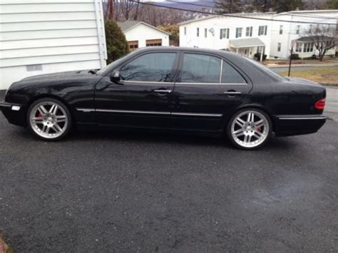 sell    mercedes black mint condition