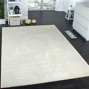 Teppich Einfarbig Günstig : teppich einfarbig designerteppich mit handgearbeiteten konturen creme elfenbein wohn und ~ Indierocktalk.com Haus und Dekorationen