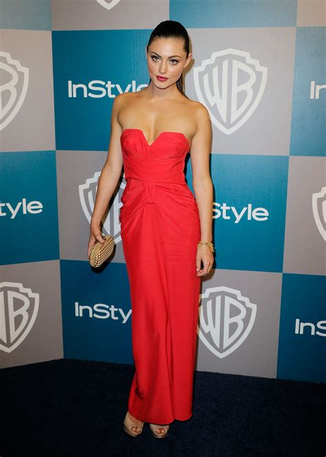 golden globes played afterparty phoebe tonkin
