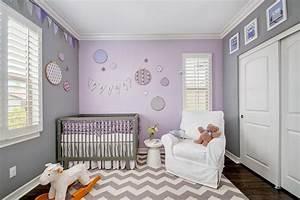 Chambre bebe fille 50 idees de deco et amenagement for Tapis chambre bébé avec fleurs 50 ans