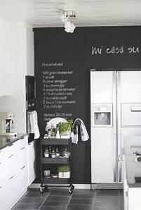 Tafelfarbe Für Wand : k che wandgestaltung 25 ideen mit farbe tapete und mehr ~ Sanjose-hotels-ca.com Haus und Dekorationen