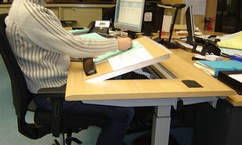bureau de poste emploi attitude solutions ergonomiques matériel de prévention
