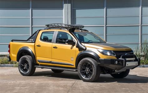 chevrolet  trailboss concept debuts gm authority