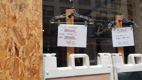 downtown portland businesses looted vandalized
