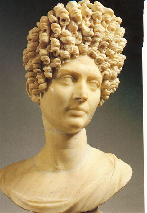 sieviete senajā Romā @ Harijs Tumans