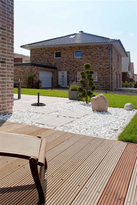 Terrasse Holz Oder Stein by Moderne Terrasse Und Balkon Garten Idee Neu Designe