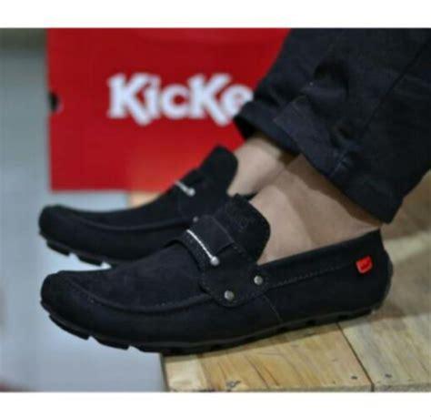 jual sepatu kickers slip on slop casual pria kulit suede black hitam sol karet mentah di lapak