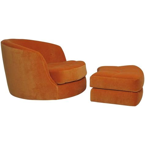 Milo Baughman Swivel Tub Chair by Milo Baughman For Thayer Coggin Swivel Tub Chair In Orange