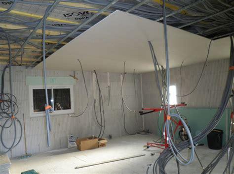 pose de plafond placo plafond la construction des marais