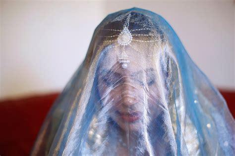 wearing  veil  britain muslim women   hijab  niqab