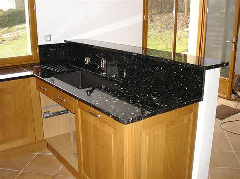 cuisine evier angle intérieur granit plan de travail en granit labrador vert