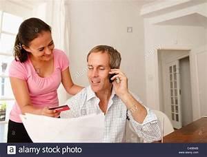 Kreditkarte Rechnung : paar bezahlen rechnung mit kreditkarte stockfoto bild 36888695 alamy ~ Themetempest.com Abrechnung