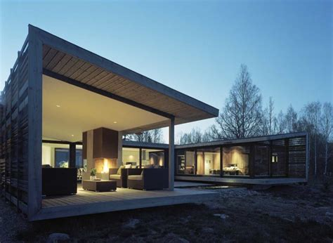 shaped house designed   wind  views