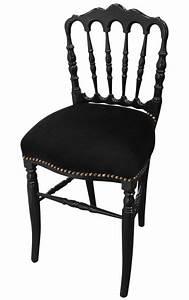 Chaise Velours Noir : chaise de style napol on iii velours noir et bois noir ~ Teatrodelosmanantiales.com Idées de Décoration