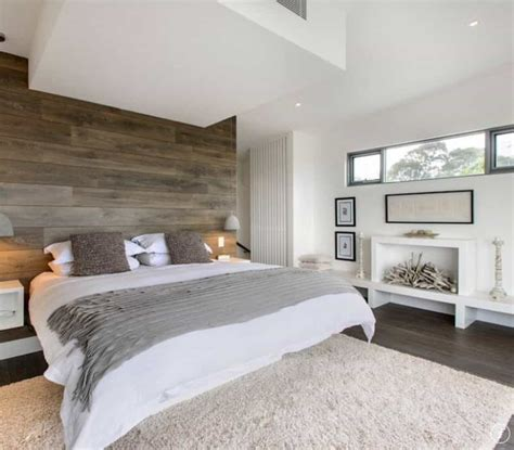 Modern Master Bedroom With Wooden Cladding - Modern Master