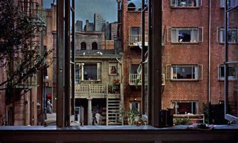 la finestra sul cortile hitchcock lo specchio scuro le due sorelle brian de