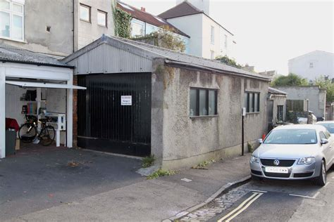 Clifton Garage Sells For £153,000!