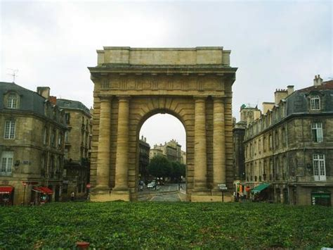 the arch viewed from quay picture of porte de bourgogne bordeaux tripadvisor