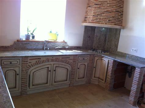 cuisine blanche carrelage gris sol cuisine gris cuisine meubles fa ade blanche cr dence