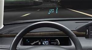 Affichage Tête Haute Voiture : les nouveaux dispositifs d 39 aide la conduite l 39 affichage t te haute ~ Medecine-chirurgie-esthetiques.com Avis de Voitures