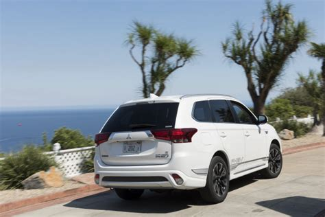 2018 Mitsubishi Outlander Phev First Drive Of Plugin