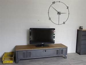 Casier Vestiaire Industriel : vestiaire transform en meuble tv industriel metal et bois heure cr ation ~ Teatrodelosmanantiales.com Idées de Décoration