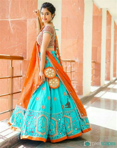 wear wedding bridal lehenga designs 2017 2018 collection