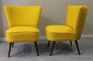 Petit Fauteuil Jaune : fauteuil cocktail jaune table de lit a roulettes ~ Teatrodelosmanantiales.com Idées de Décoration