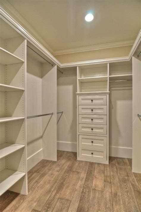 25 best ideas about closet layout on master