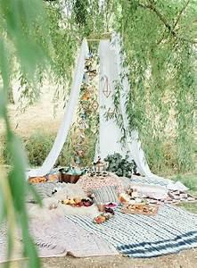 Romantisches Picknick Ideen : romantisches picknick in 2020 hinterhof partys ~ Watch28wear.com Haus und Dekorationen