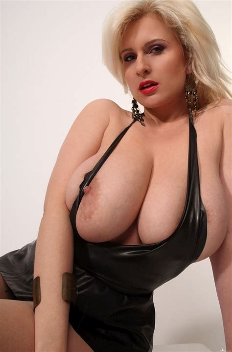 Cassandra Huge Boobs Sorted By Position Luscious