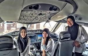 Kadın pilotlar Suudi Arabistan'a indi