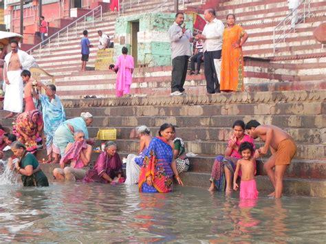 bagno gange in india sulle tracce dell impero moghul agra e varanasi