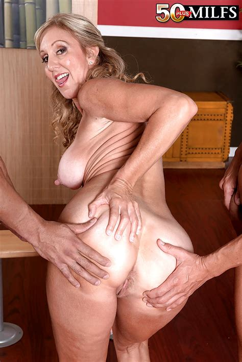 Babe Today 50 Plus Milfs Jenna Covelli Excellent Pussy