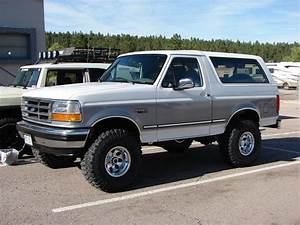 1995 Ford Bronco - Information And Photos