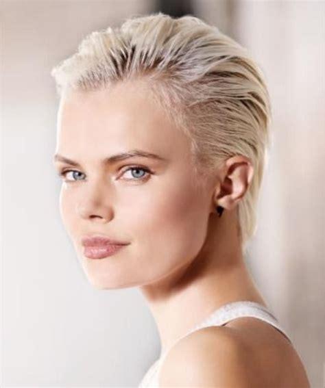 Épinglé par BC sur Short Hair en 2020 Cheveux courts