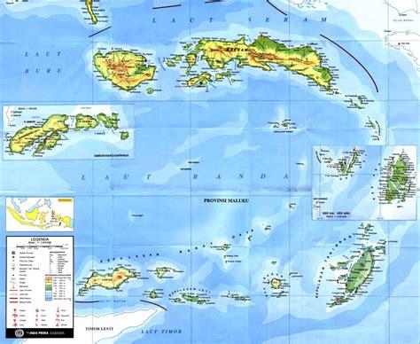 jumlah penduduk berdasarkan agama  provinsi maluku