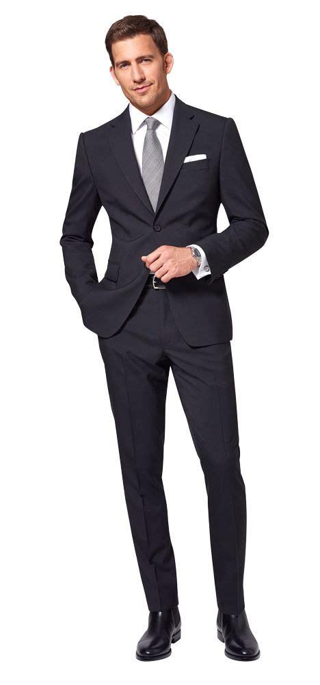 Blauer Anzug Braune Schuhe Krawatte  Strenge Anzüge Foto