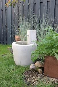Immer Blühender Garten : stille wasser sind nicht immer tief ein zierbrunnen im garten gr neliebe ~ Markanthonyermac.com Haus und Dekorationen