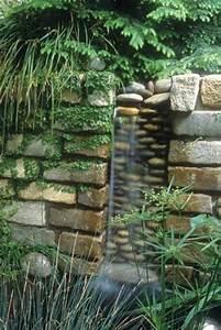 les 25 meilleures idees de la categorie fontaine murale With amenagement de jardin avec des pierres 17 la deco exterieure avec une fontaine murale archzine fr