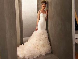 Kim kardashian wedding dresses at david39s bridal ny for Kim kardashian s wedding dress