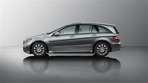 Mercedes Class by Am General To Take Mercedes R Class Production