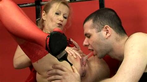 Red Stockings Delivering Hot Yellow Piss Pissing Porn At