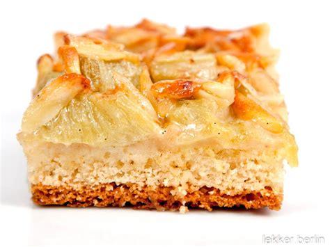 Rhabarber Mandel Kuchen lekkerberlin