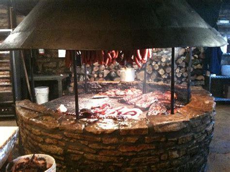 cuisiner au feu de bois an open picture of salt bbq