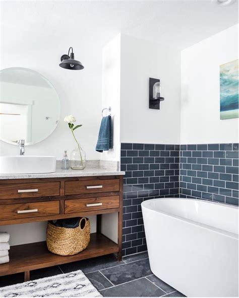 Colored Subway Tile Bathroom by 25 Best Ideas About Navy Bathroom On Bathroom