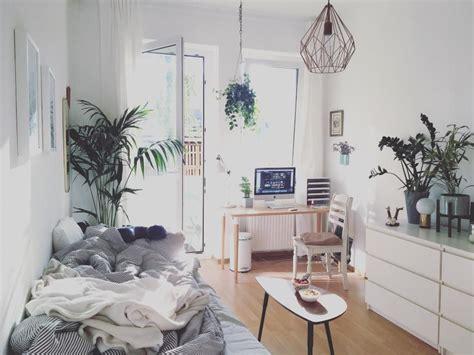 Kleines Wg Zimmer Einrichten by Das Wg Zimmer Wirkt Gem 252 Tlich Und Luftig Gleichzeitig
