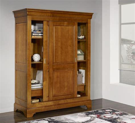 armoire 2 portes clara en merisier massif de style louis